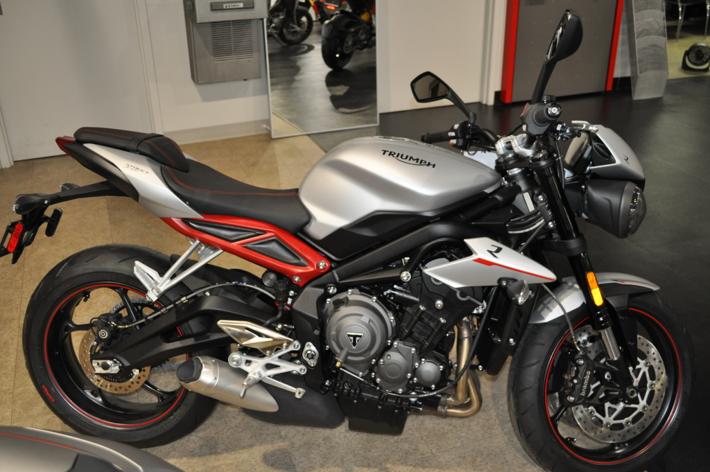 2018 Street Triple R Low Welcome To Commonwealth Motorcycles